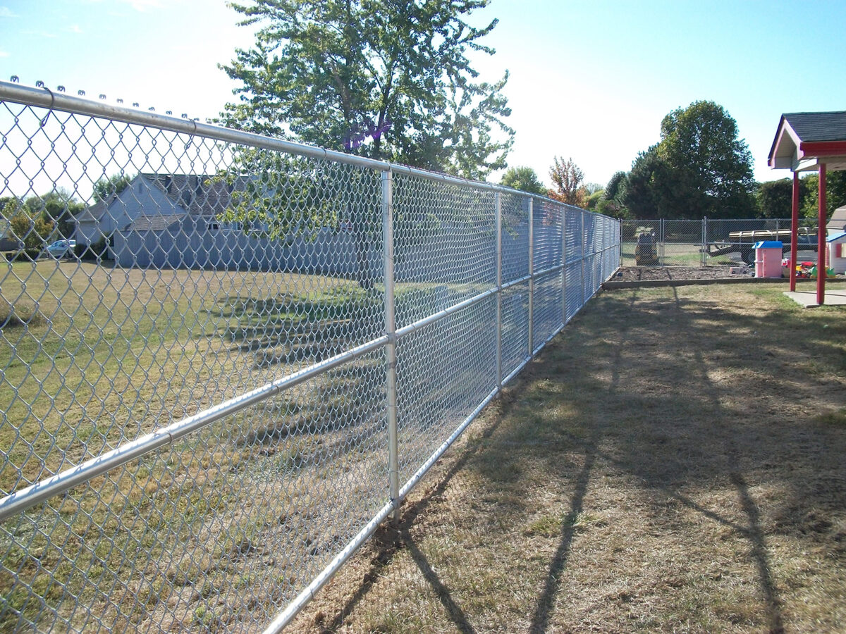 Chain link fence with 3 rails