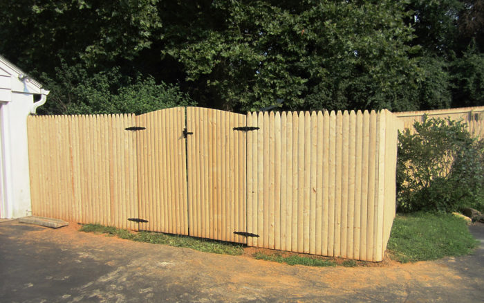 Integrous-stockade-privacy-fence-witharched-double-gate