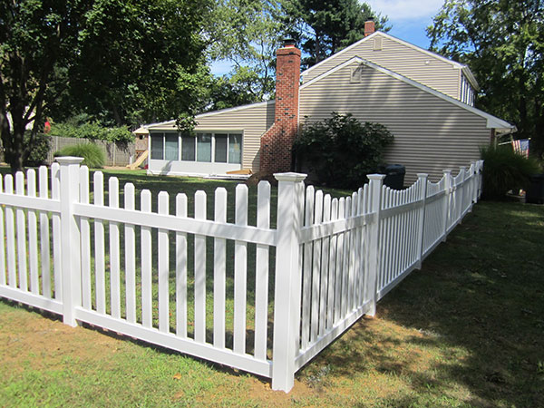4' tall Freehold picket fence style white dog eared picket fence with New England post caps